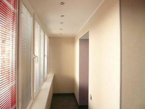 Какой краской покрасить стены на балконе