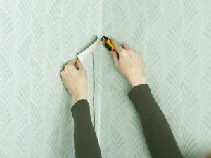 Оклейка стен виниловыми обоями своими руками