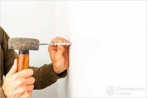 Как забить гвоздь в бетонную стену молотком