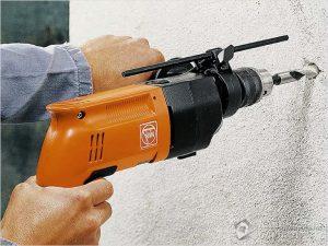 Как просверлить отверстие в бетонной стене дрелью