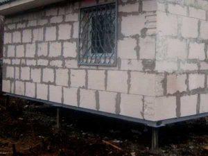 Свайный фундамент под дом из пеноблоков