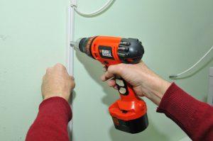 Как установить кабель канал на стене