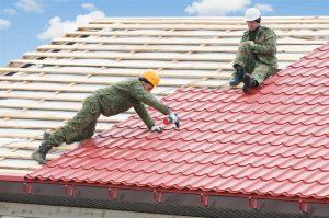 Чем лучше крыть крышу в частном доме